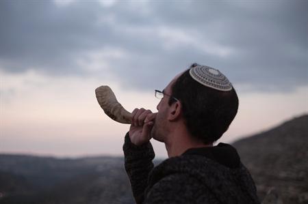 gil blowing shofar